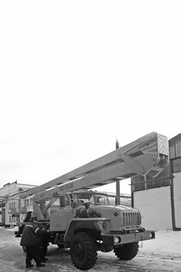 Автовышка ПСС 121.22 (АГП-22.02) на шасси УРАЛ 4320