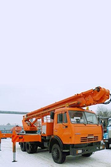 Автовышка ПСС-141.32 (АПТ-32) на шасси КАМАЗ 65115